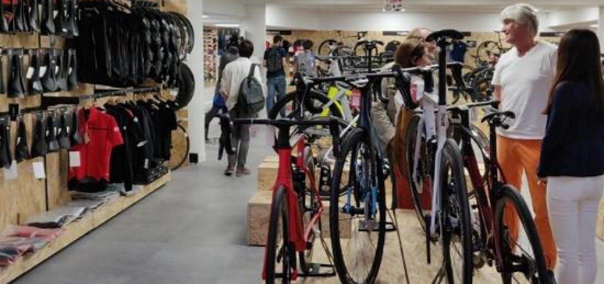 Photographie de l'intérieur de l'Alltricks Store